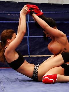 Lesbian Wrestling Pics